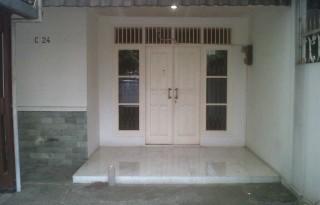 Dikontrakkan Rumah di Petukangan Selatan, Jakarta Selatan TP OP1196
