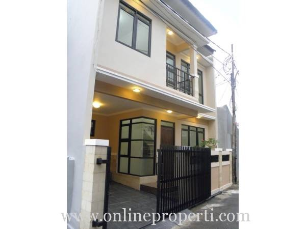 Dijual Cepat Rumah Eksotis Strategis di Pejaten Timur PR844