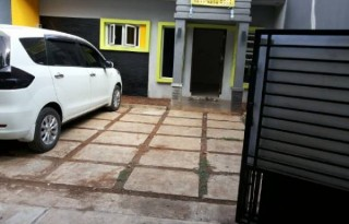 Disewakan Rumah Strategis di Komplek Wisma Kusuma Indah, Jakarta Timur PR920