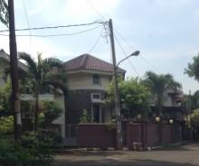Dijual Rumah Strategis di Perum Jakasampurna, Bekasi P0875