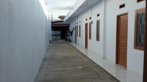 Disewakan Rumah dan Toko Strategis di Kemuning, Jakarta Timur PR1118