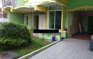 Rumah Depan Taman Sedikit Renovasi di Cengkareng, Jakarta Barat PH070
