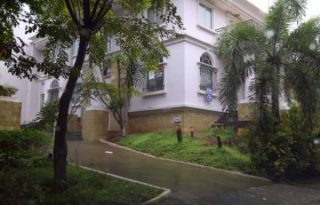 Dijual Rumah Mewah di Cluster Mewah Villa Menara Kelapa Gading AG940