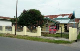 Dikontrakkan Rumah Strategis di Pinggir Jalan Raya di Medan PR1375