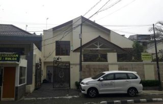 Disewa Rumah di Jalan Cipaku, Kebayoran Baru Jakarta Selatan PR1474