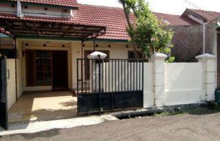 Dijual Rumah di Perumahan Dukuh Zamrud Utara, Bekasi Timur P0861