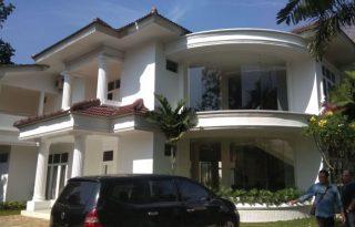 Rumah Full Furnished Murah, Cuma Hitung Tanah di Kemang Selatan AG1064