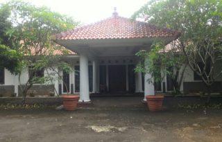 Dijual Rumah Strategis Pinggir Jalan Pondok Betung Raya AG1089