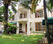 Dijual Rumah Luas Dengan Fasilitas Lengkap, Dan Strategis di Jakarta Selatan Ag1115
