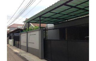 Dijual Rumah Tinggal  ( Dua Rumah bersebelahan ) lokasi, Strategis di Jakarta selatan Pr1597