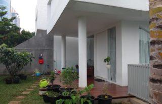 Dijual Rumah Tingkat di Jalan Jeruk Purut Raya, Jakarta Selatan AG1193