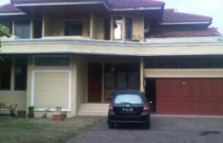 Dijual Rumah Strategis Mewah di Jatiwaringin, Bekasi P0668