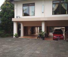 Jual Rumah Mewah Harga Hitung Tanah Saja di Komplek Vila Dago Pamulang Ag1123