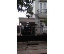 Dijual Rumah Model Eropa di Komplek PTB Duren Sawit Jakarta Timur AG1242