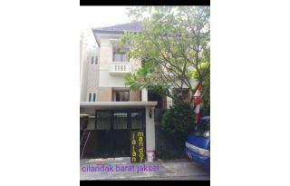 Dijual Rumah Mewah Strategis di Cilandak Jakarta Selatan AG1250